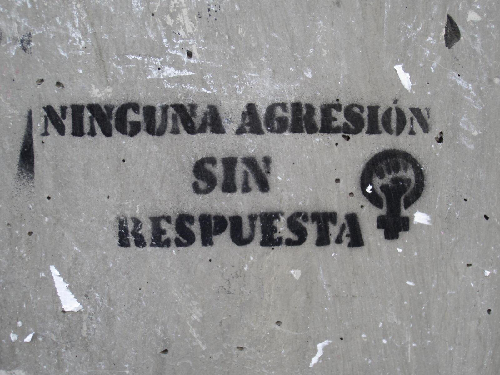 Denuncian al artista gráfico César Chávez