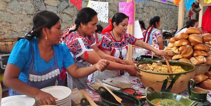 Las Mujeres A La Cocina La Crítica